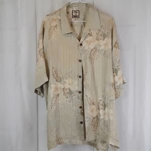 Tommy Bahama sz Xl floral button front shirt